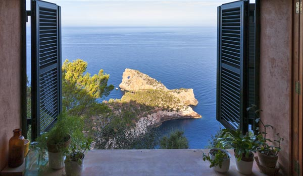 Find your dream home in Mallorca and make your dream of life on the island come true.